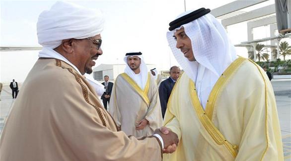 منصور بن زايد يستقبل الرئيس السوداني