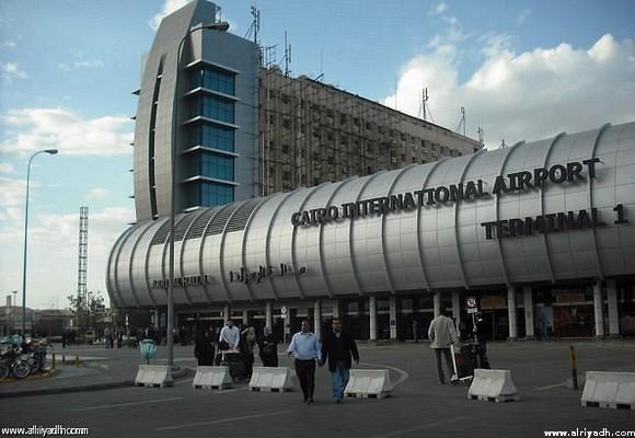 سفارة المملكة بالقاهرة تنفي امتناع دبلوماسي عن «التفتيش» بالمطار