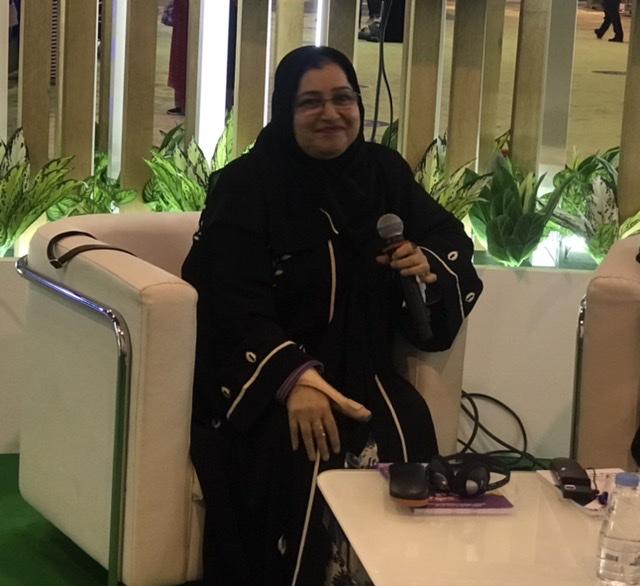 عائشة عبد الله..الشارقة القرائي يعزز دور الكتاب للأطفال واليافعين